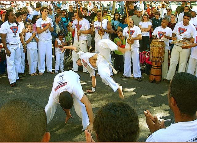 Roda_de_capoeira2